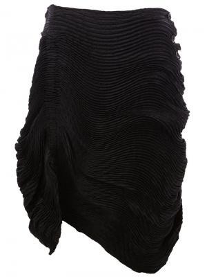 Юбка с драпированными деталями Issey Miyake. Цвет: чёрный