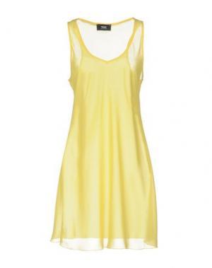 Короткое платье TO-MAY. Цвет: желтый