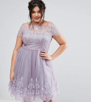Chi London Plus Платье миди с кружевным лифом и тюлевой юбкой. Цвет: фиолетовый