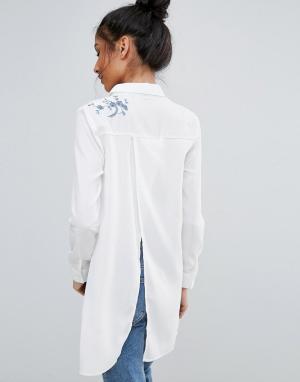 Unique 21 Рубашка с вышивкой. Цвет: белый
