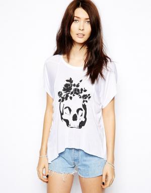 Мягкая трикотажная футболка с черепом и розами в винтажном стиле  London Sauce. Цвет: белый