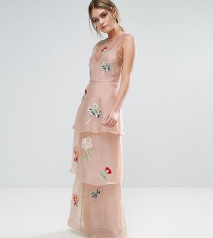 Hope and Ivy Ярусное платье макси с цветочной вышивкой &. Цвет: розовый