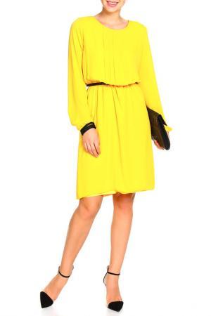 Платье с ремнем Mees. Цвет: желтый