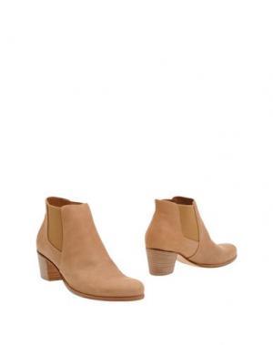 Полусапоги и высокие ботинки CARRARO. Цвет: верблюжий