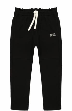 Спортивные брюки из хлопка с прострочкой и оборкой на поясе No. 21. Цвет: черный