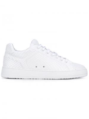 Кроссовки со шнуровкой Etq.. Цвет: белый