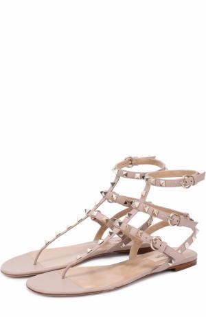 Кожаные сандалии Rockstud с ремешками Valentino. Цвет: бежевый