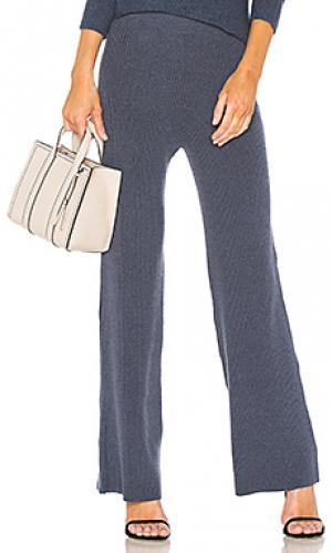 Расклешенные брюки whit HELFRICH. Цвет: синий