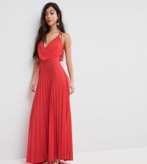 ASOS Petite Плиссированное платье макси с запахом и плиссированной юбкой PETI. Цвет: красный