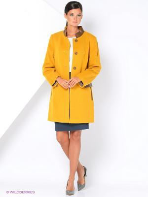 Пальто Gamelia. Цвет: горчичный