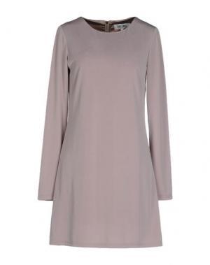 Короткое платье DRY LAKE.. Цвет: голубиный серый