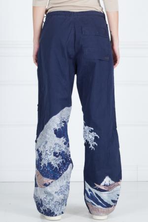 Хлопковые брюки с принтом Maharishi. Цвет: синий