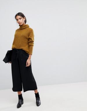 Selected Укороченные брюки Femme. Цвет: черный