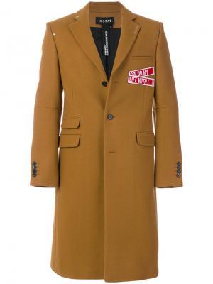 Пальто с заплатками Icosae. Цвет: коричневый