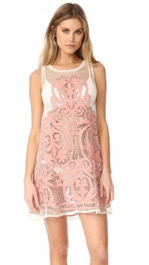 Платье с высоким вырезом Nostalgia Suboo. Цвет: розовый