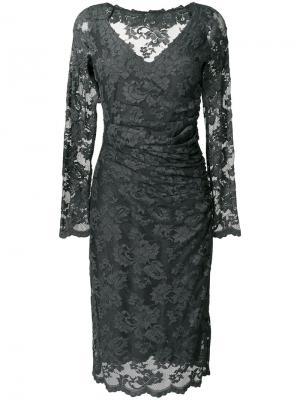 Кружевное платье с V-образным вырезом Olvi´S. Цвет: серый