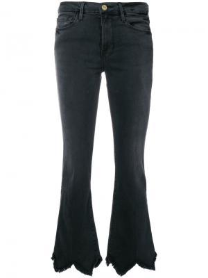 Расклешенные джинсы Frame Denim. Цвет: серый