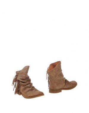 Полусапоги и высокие ботинки FELMINI. Цвет: коричневый