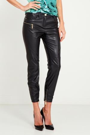 Черные брюки из искусственной кожи Elisabetta Franchi. Цвет: черный