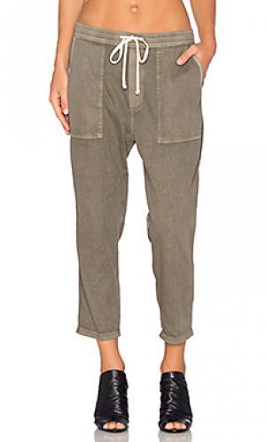 Свободные брюки из твила James Perse. Цвет: оливковый