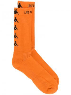 Носки с вышитым логотипом Kappa. Цвет: жёлтый и оранжевый