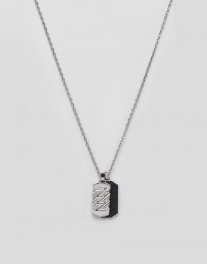 Emporio Armani Ожерелье с подвеской в форме солдатского медальона. Цвет: серебряный