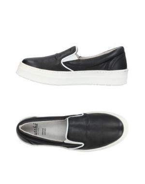 Низкие кеды и кроссовки GUTTHA. Цвет: черный