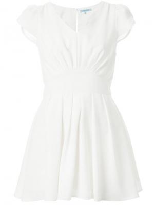 Плиссированное платье Guild Prime. Цвет: белый