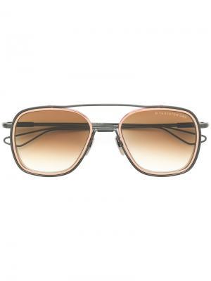 Крупные солнцезащитные очки System One Dita Eyewear. Цвет: металлический