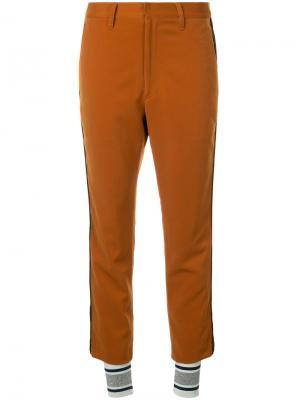 Укороченные брюки с полосками Non Tokyo. Цвет: коричневый