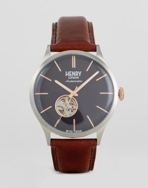 Henry London Часы с коричневым кожаным ремешком. Цвет: коричневый