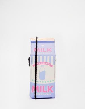 Skinnydip Сумка через плечо в виде картонного пакета с молоком. Цвет: сиреневый