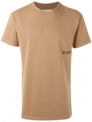Базовая футболка Han Kjøbenhavn. Цвет: коричневый