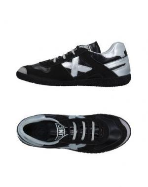 Низкие кеды и кроссовки MUNICH. Цвет: черный