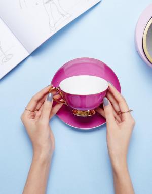 Bombay Duck Розовая чашка с блюдцем. Цвет: мульти