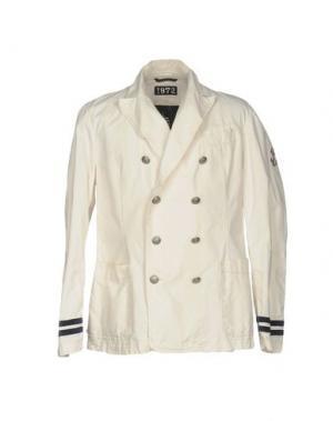 Куртка GAI MATTIOLO. Цвет: слоновая кость