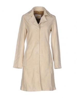 Легкое пальто VINTAGE DE LUXE. Цвет: песочный