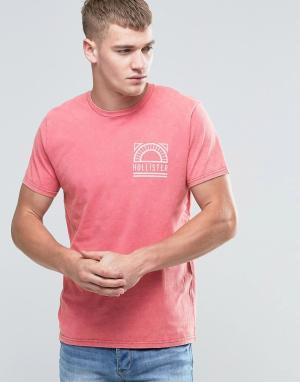 Hollister Красная футболка классического кроя с принтом. Цвет: красный