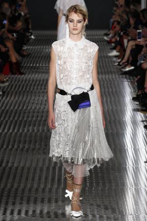 Плиссированная юбка No.21. Цвет: серебряный