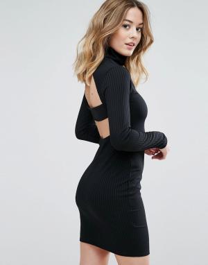 Club L Платье в рубчик с высоким воротом и ремешком сзади. Цвет: черный