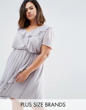 Koko Короткое приталенное платье с оборками Plus. Цвет: серый
