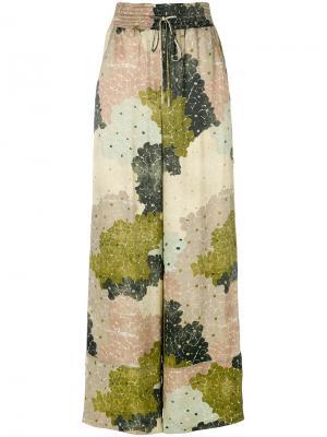 Широкие брюки  с цветочным принтом Off-White. Цвет: зелёный