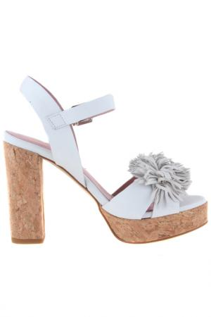 High heels sandals Sessa. Цвет: white