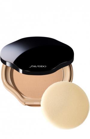Компактная пудра с полупрозрачной текстурой i00 Shiseido. Цвет: бесцветный
