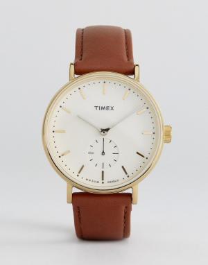 Timex Часы со светло-коричневым кожаным ремешком Fairfield. Цвет: рыжий