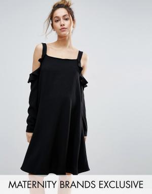 Queen Bee Платье с открытыми плечами и оборками. Цвет: черный