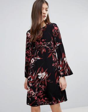 Gestuz Платье мини с принтом и рукавами-колокол. Цвет: черный