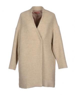 Пальто AGATHA CRI. Цвет: бежевый