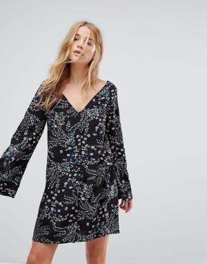 Glamorous Чайное платье с длинными рукавами, пуговицами и цветочным принтом Glam. Цвет: черный