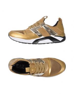 Низкие кеды и кроссовки EA7. Цвет: золотистый